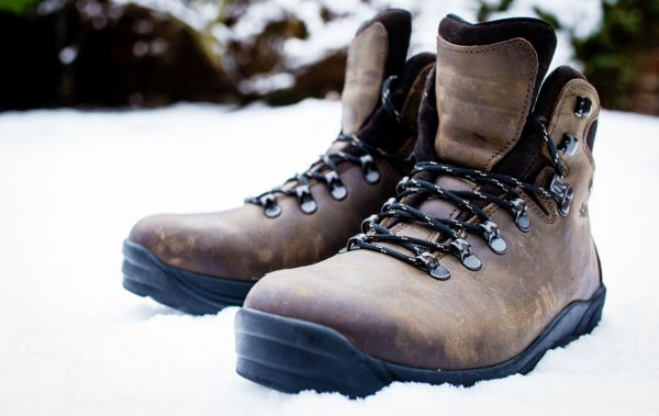 winterwandern-ausruestung-schuhe