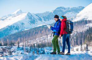 winterwandern-ausruestung_winterwandern-kleidung-wandern-im-winter