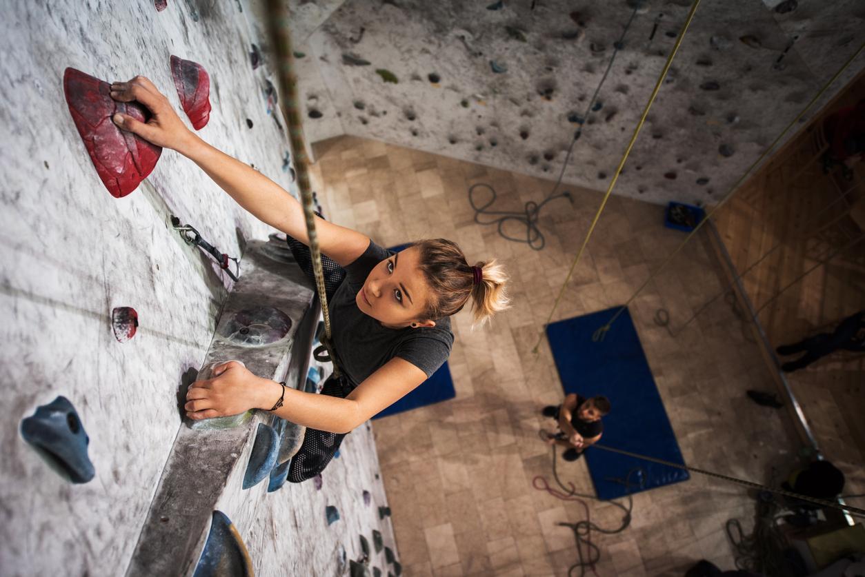 Frau-am-Klettern